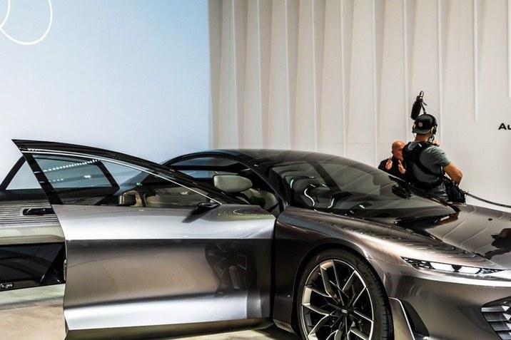 Novi Audi grandsphere koncept